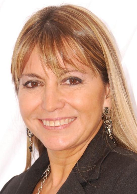 Lic. Kinesiología y Fisiatría Paola Yánez Chandía